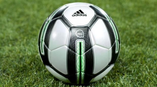 Sport, ballon connecté adidas